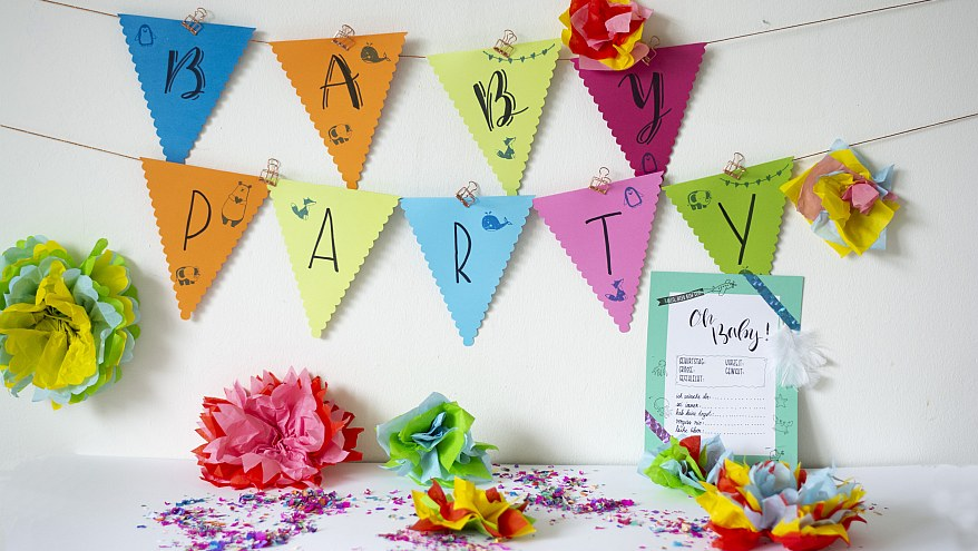 Babyparty, Babyshower, feiern, Deko, Do it yourself, selbstgemacht, basteln, Wimpelkette, bunt, Papierblumen, Seidenpapier